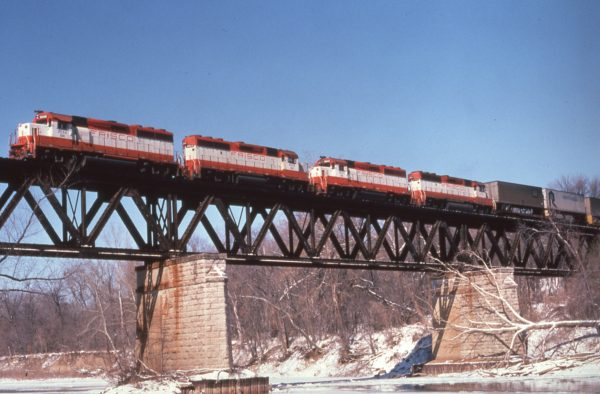 GP40-2s 3058 (Frisco 768), 3052 (Frisco 762), 3043 (Frisco 753) and 770 at Deicke, Missouri in February 1981