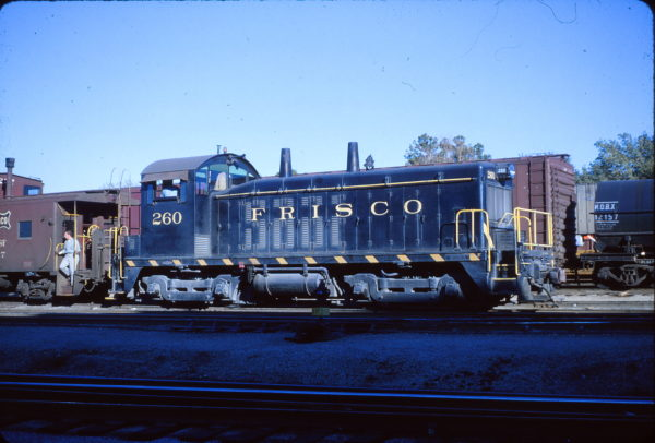 NW2 260 at St. Louis, Missouri on October 3, 1964 (Richard Wallin)