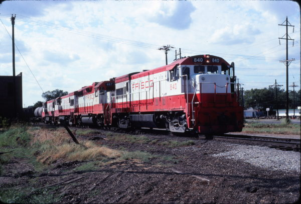 U30B 840 and GP38-2 467 at Vinita, Oklahoma in August 1980