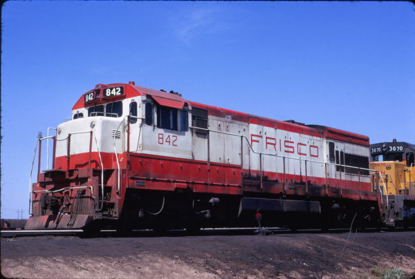U30B 842 at North Platte, Nebraska on June 2, 1973 (Neil Shankweiler)