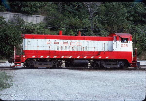 VO-1000m 205 Kansas City, Mo 19th St Yard in August 1978 (Allen Clum)