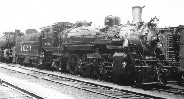 4-6-2 1023 at Springfield, Missouri on July 9, 1948 (Arthur B. Johnson)