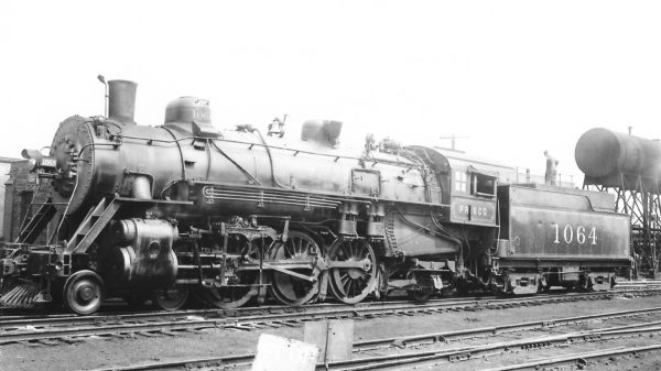 4-6-2 1064 (before rebuild) at St. Louis, Missouri in May 1935 (Arthur B. Johnson)
