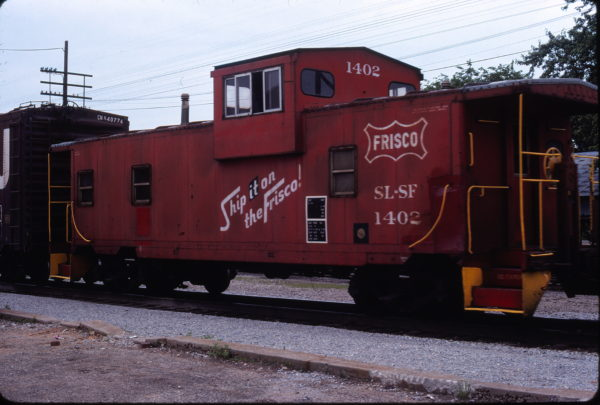 Caboose 1402 at West Plains, Missouri in May 1979 (Ken McElreath)