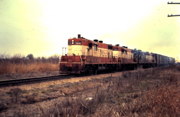 GP7s 610 and 523 (date and location unknown)