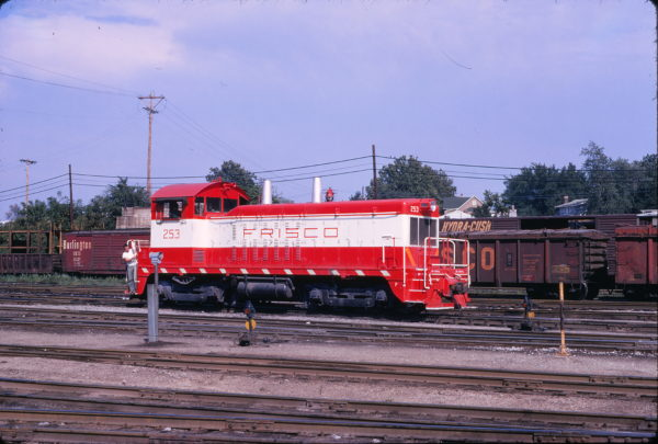 NW2 253 at St. Louis, Missouri in August 1971