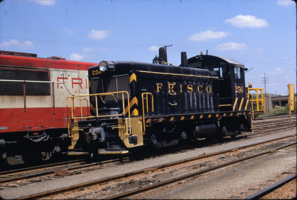 NW2 256 (location unknown) in August 1968