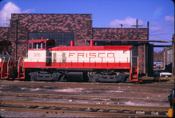 SW1500 320 at St. Louis, Missouri on November 9, 1968