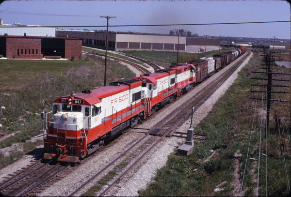 U30Bs 847 and 857 at Lenexa, Kansas on May 4, 1975 (James Primm)