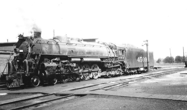 4-8-4 4509 at Newburg, Missouri on August 7, 1949 (Arthur B. Johnson)