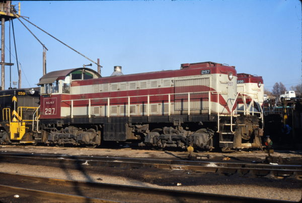 S-2 297 at St. Louis, Missouri on November 11, 1967 (Richard Wallin)