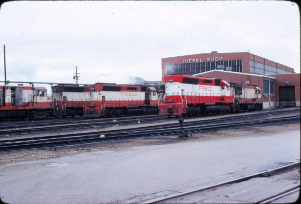 SD45s 931 and 917, and U25B 819 at Springfield, Missouri on November 9, 1977 (Mike Sosalla)