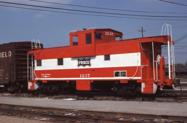 Caboose 1237 at Memphis, Tennessee in November 1977 (G.J. Sommers)
