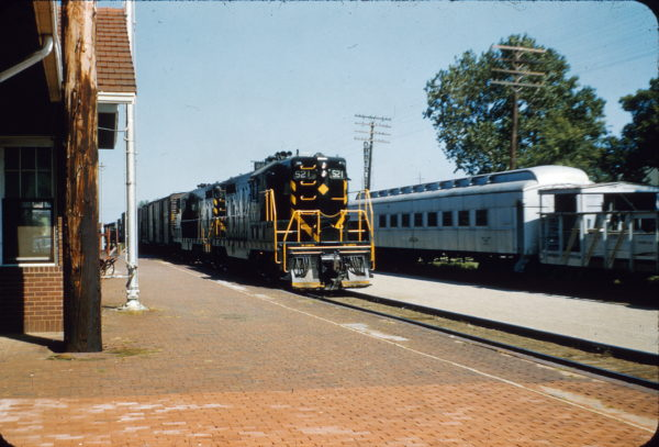 GP7 521 (location unknown) in October 1967