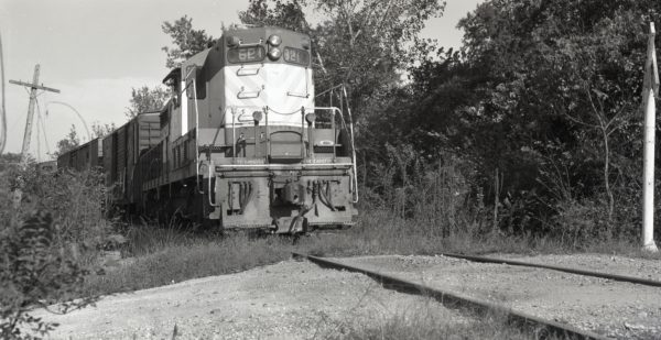 GP7 621 at Clinton, Missouri (date unknown)