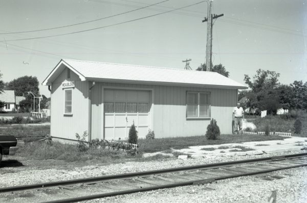 Weaubleau, Missouri Depot on August 11, 1971 (R.J. Rotzinger)