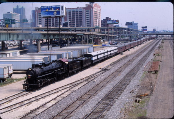 4-8-2 1522 at St. Louis, Missouri with the NRHS Special on June 17, 1994 (Phil Gosney)