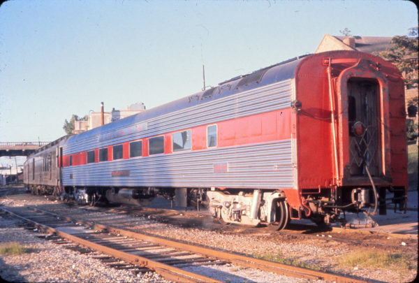 Coach 1096 (Maplewood) (date unknown) (Mike Condren)