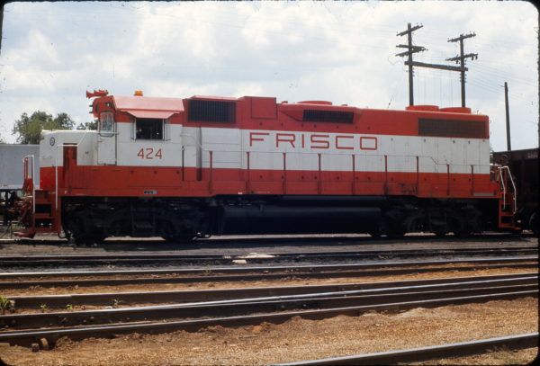 GP38-2 424 at Springfield, Missouri in August 1973