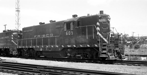 GP7 609 at Springfield, Missouri on May 16, 1965
