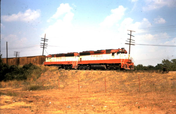 SD45s 915 and 919 with Train #38 near the Red River and Dennison, Texas in January 1979