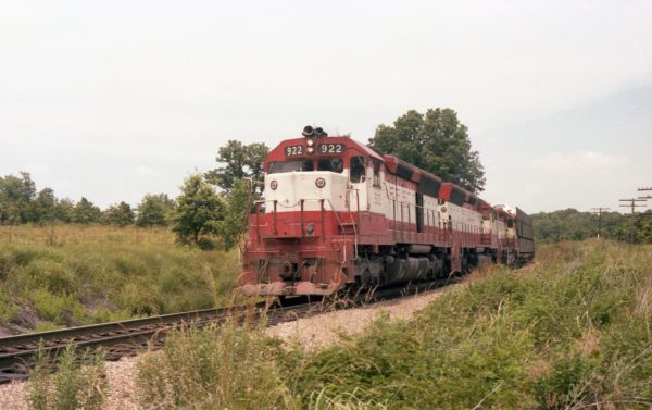 SD45s 922 and 937, and GP38AC 652 North of Thayer, Missouri on June 30, 1979 (R.R. Taylor)