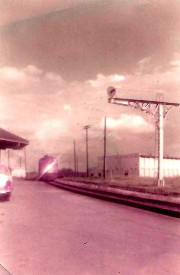 Train #106 (Kansas City-Florida Special) arriving at Tupelo, Mississippi in the late 1950s (C.P. Ayers)
