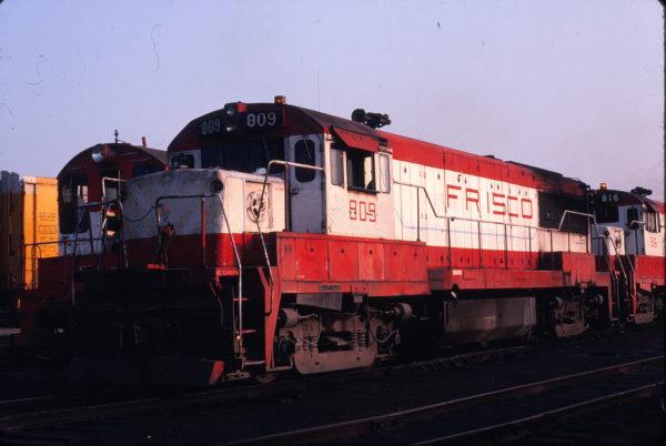 U25B 809 at St. Louis, Missouri (date unknown) (Michael Wise)
