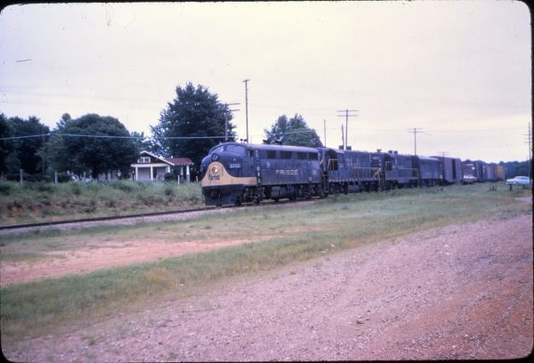 F3A 5012 at Van Buren, Arkansas on June 3, 1964 (Mike Condren)