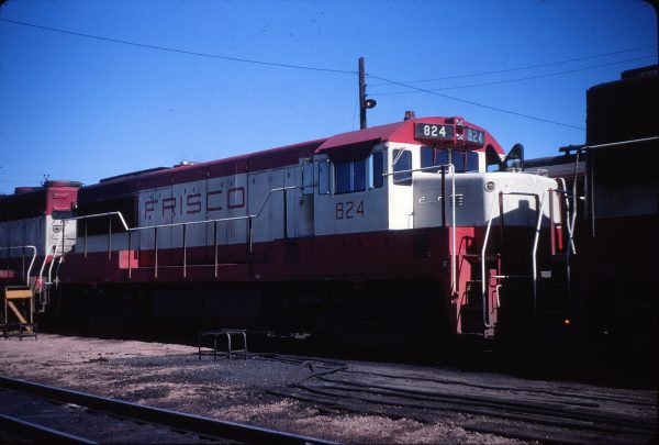 U25B 824 (location unknown) in June 1968 (Calvin Banse)