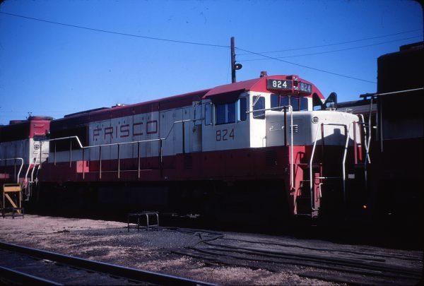 U25B 824 (location unknown) in June 1968 (Calvin Banse)