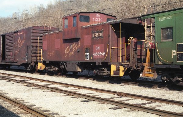 Caboose 11530 (Frisco 1200) at Kansas City, Missouri in April 1985 (R.R. Taylor)