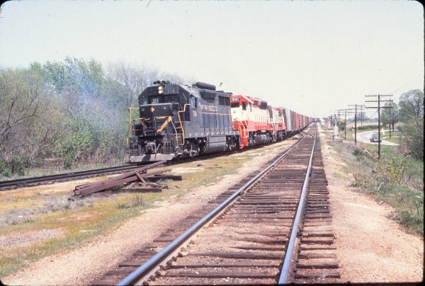 GP35 714 and SD45 941 at Springfield, Missouri on April 22, 1971 (Mike Condren)