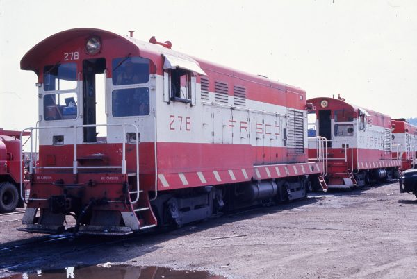 H-10-44s 278 and 270 (location unknown) in September 1972