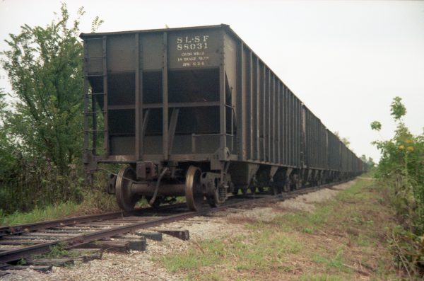 Hopper 88031 at Kissick, Missouri in September 1987 (R.R. Taylor)