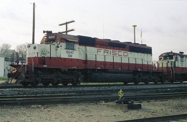 SD40-2 6847 (Frisco 957) at Thayer, Missouri on March 12, 1981 (R.R. Taylor)