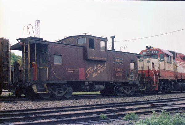 Caboose 1290 and GP38-2 473 at Thayer, Missouri on June 7, 1979 (R.R. Taylor)