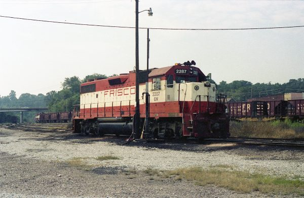 GP38-2 2287 (Frisco 432) at Thayer, Missouri on August 29, 1981 (R.R. Taylor)