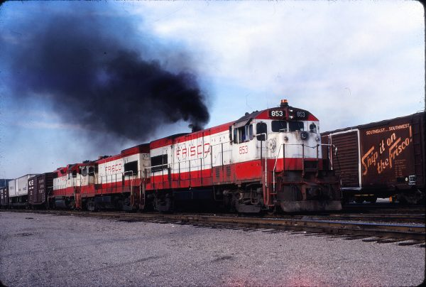 U30B 853 at Kansas City, Missouri on May 22, 1979 (Jim Wilson)