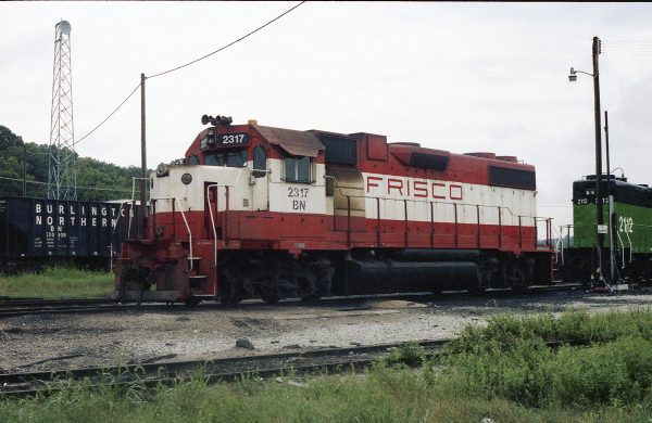 GP38-2 2317 (Frisco 462) at Thayer, Missouri on August 13, 1982 (R.R. Taylor)