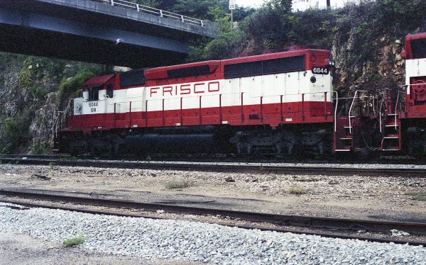 SD40-2 6844 (Frisco 954) at Thayer, Missouri on August 29, 1981 (R.R. Taylor)