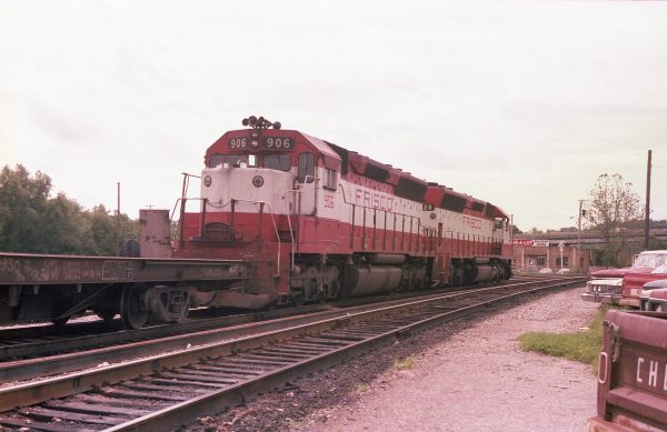 SD45s 906 and 928 at Thayer, Missouri on June 7, 1979 (R.R. Taylor)