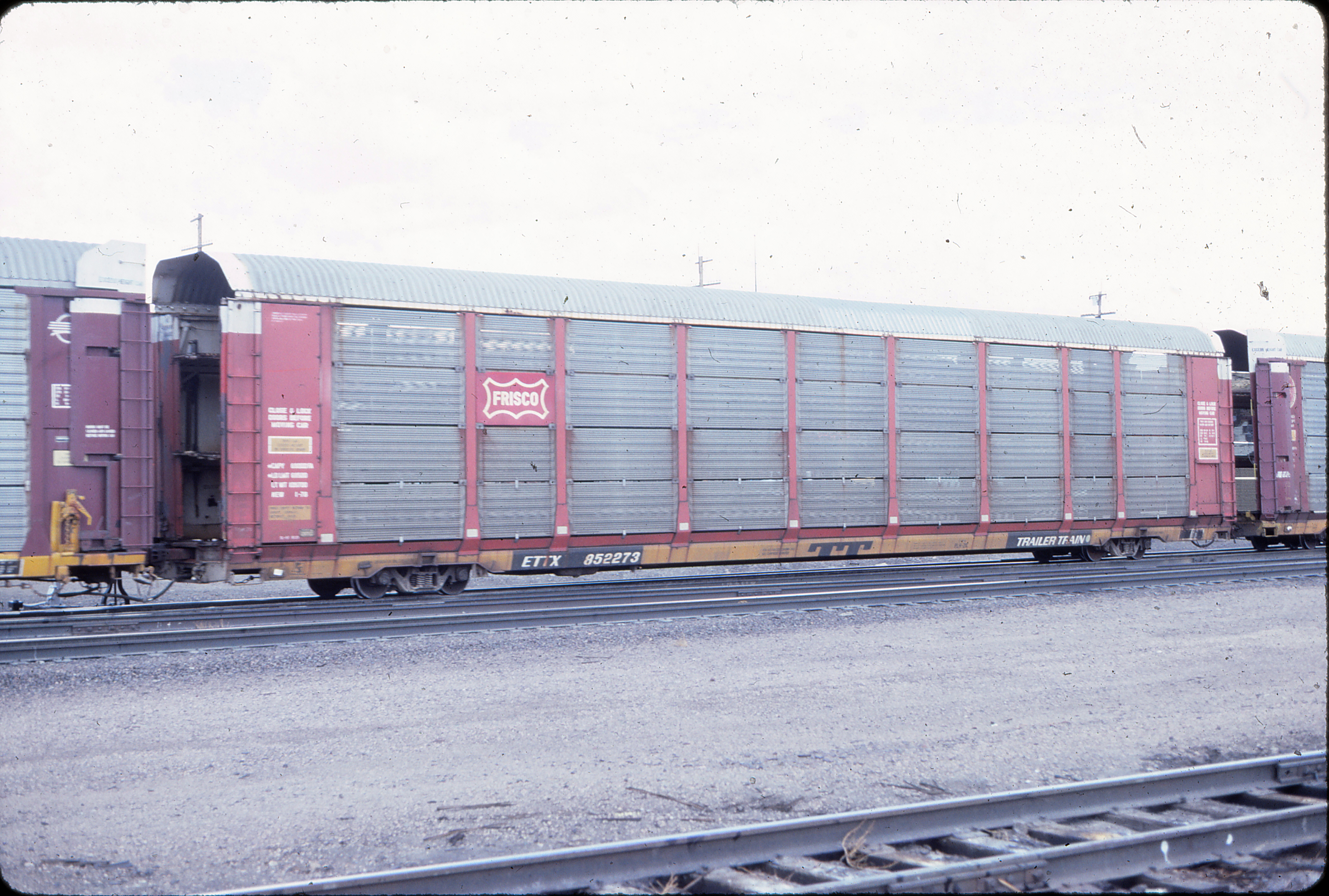 Autorack 852273 at Green River, Wyoming in August 1984